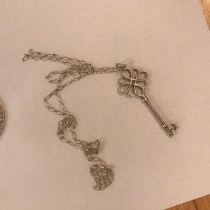 Tiffany key with unique chain